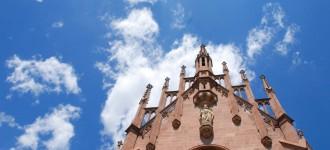Kirchen, das Mausoleum und vieles mehr in Schenna besichtigen